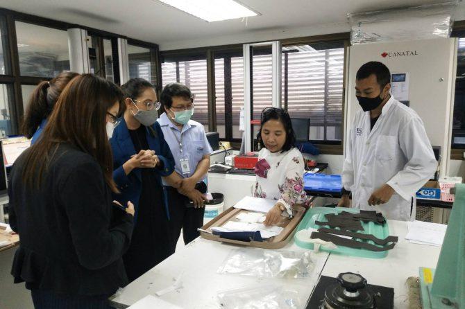"""มูลนิธิพัฒนาอุตสาหกรรมเครื่องนุ่งห่มไทย เข้ารับการอบรม """"ความรู้พื้นฐานสิ่งทอและการทดสอบ """""""